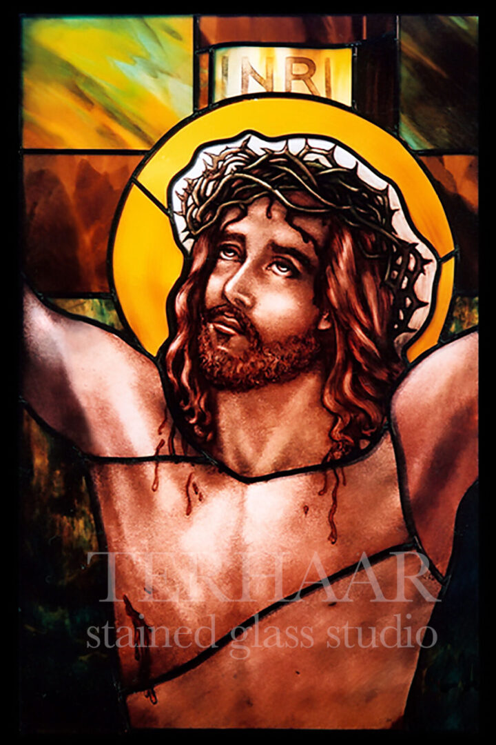 stained-glass-art_crucifixion-of-jesus_stained-glass-window_house-of-worhship_terhaarglass.com