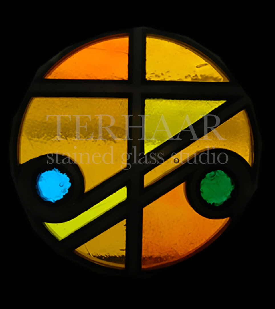 stained-glass-art_cross-of-light_stained-glass-window_house of worship_terhaarglass.com