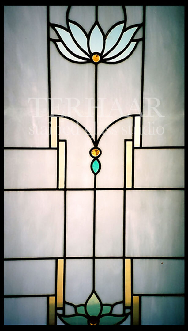 stained-glass-art_mission-style-flower_stained-glass-window_commercial_terhaarglass.com
