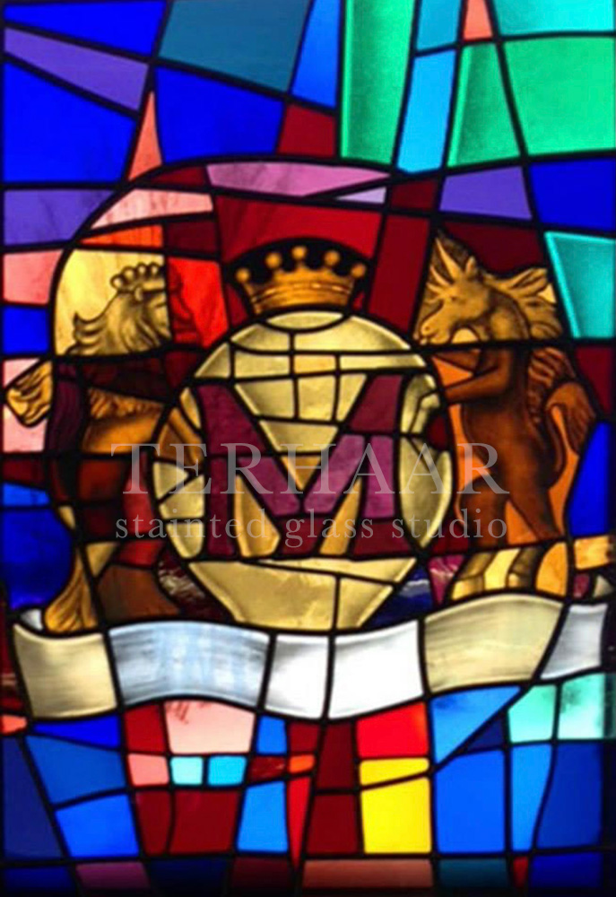 stained-glass-art_coat-of arms_stained-glass-window_residential-gallery-page_terhaarglass.com