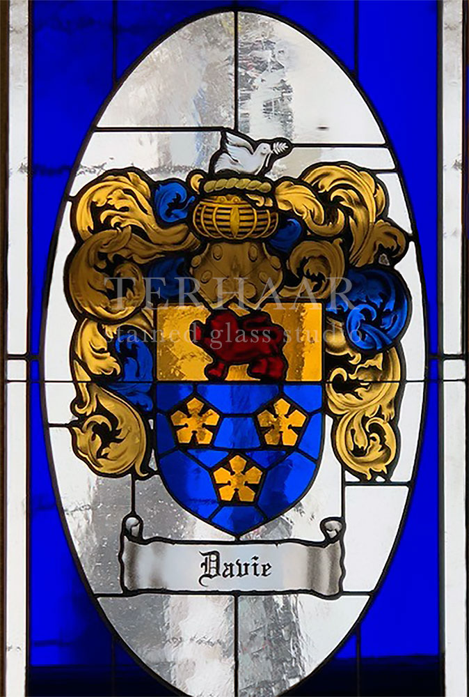 stained-glass-art_coat-of-arms_stained-glass-window_house-of-worship_gallery-page_terhaarglass.com