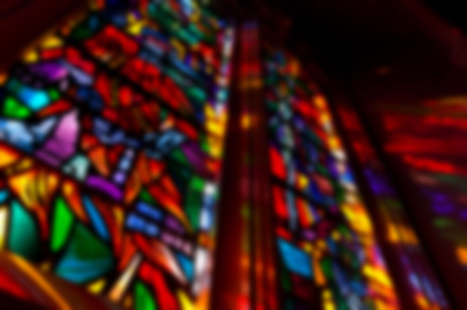 illumination-of-stained-glass_making-stained-glass-an-exhilarating-experience_terhaarglass.com